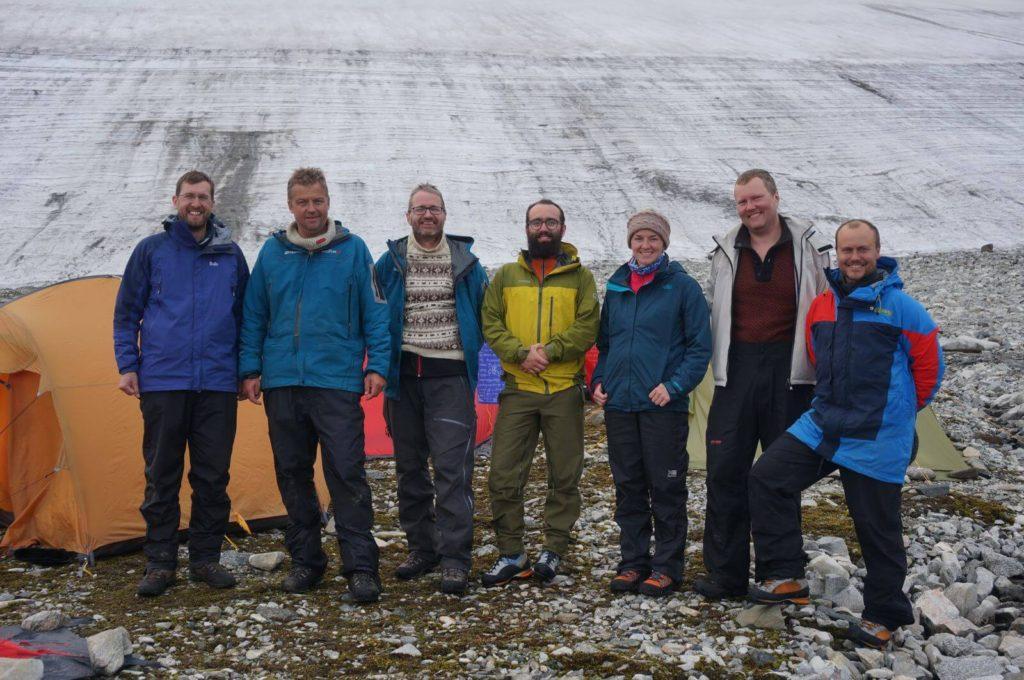Feltarbeid - feltmannskapet ved de brearkeologiske undersøkelser i Oppland i 2014.