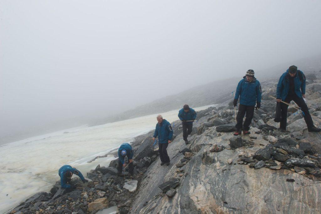 Archeological survey along the melting ice